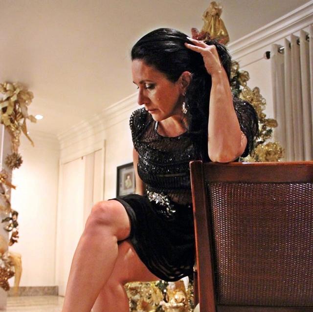 Personalidade querida no alto circuito social da  Grande Manaus, a ravissante Liza Tupinambá Mello é uma das festejadas aniversariantes deste sábado