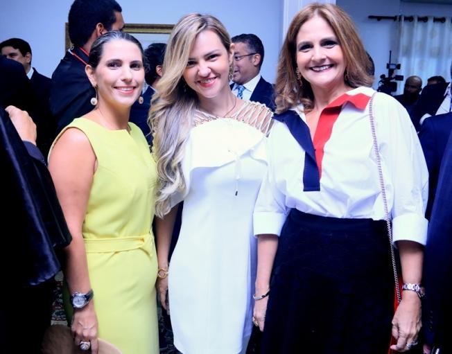 Elza de Melo, Adriana Loupreste  e Monica Câmara do Carmo Ribeiro, bonitas,antenadas e de bem com a vida.(Ana Cláudia Jathahy)